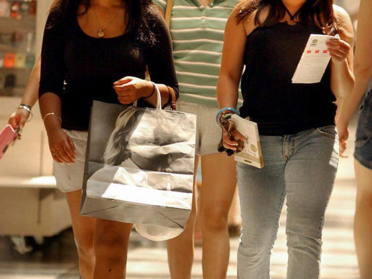 Shoppers, retailers enjoy tax-free weekend in Massachusetts